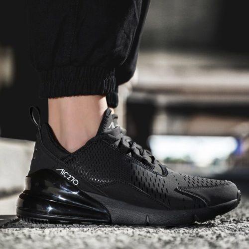 Chaussures de course flambant neuves pour hommes Jogging baskets pour femmes Air semelle respirant maille lacets
